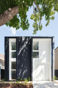 House in Double Bay in Architecture Minimalist Architecture, Amazing Architecture, Architecture Design, Casa Color Pastel, Facade House, Minimalist Home, Exterior Colors, Black House, Brown House