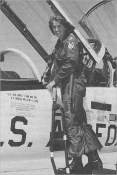 Connie Engle – First Woman to Earn U.S. Air Force Pilot Wings  I knew her!! We were at Williams AFB together.