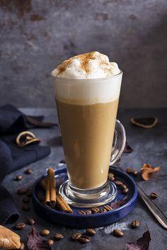 Sütőtökös latte recept - Kifőztük, online gasztromagazin Junk Food, Latte, Russel Hobbs, Snacks, Yummy Drinks, Coffee Time, Hot Chocolate, Nutella, Glass Of Milk