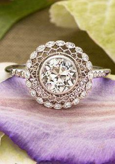 Vintage Diamond Ring //