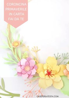Coroncina di fiori di carta - Caseperlatesta Paper Crafts For Kids, Invitations, Wreaths, Flowers, Community, Crafty, Door Wreaths, Florals, Save The Date Invitations