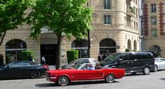 Champs Elysees Paris, Vintage Car  http://www.ChampsElysees-Paris.com