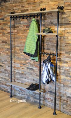 Industriële kapstok Hip & Unieke kapstok & Maatwerk is mogelijk Industrial coat rack Hip & Unique coat rack Customization is possible The post Industrial coat rack Hip Industrial Coat Rack, Metal Clock, Pipe Furniture, Furniture For Small Spaces, Metal Walls, Home Design, Interior Decorating, New Homes, Decoration