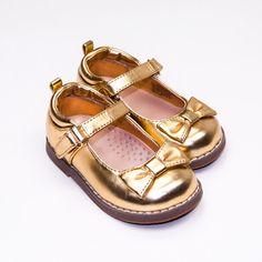 Toddler Size 6 Girls Mary Janes by Crazy 8 | Kidz Outfitters #kidsfashion #girslshoes #maryjanes