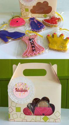 Caja de seis galletas: 2 vestidos, corpiño, bolso, zapato de tacón y corona.  La Galletería de Tastery online