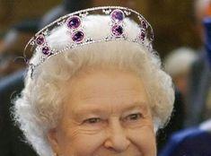 Photoshopping Real Tiaras e Jewels 1 (para Fev 2007) - The Royal Fóruns