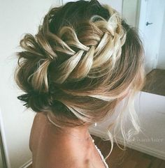Prom hair updos stay trendy from year to year due to their gorgeous look and versatility. See our collection of chic and trendy prom hair updos. Up Hairstyles, Pretty Hairstyles, Braided Hairstyles, Wedding Hairstyles, Boho Wedding Hair Updo, Braided Updo, Bridesmaid Hair, Prom Hair, Wedding Hair And Makeup
