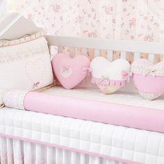 Quarto de bebê rosa: 5 kits berço que são tendência Baby Nursery Decor, Baby Bedroom, Baby Decor, Diy Bedroom Decor, Baby Cot Bumper, Baby Sofa, Baby Girl Clipart, Baby Bedding Sets, Sewing Patterns For Kids