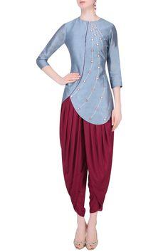 K-ANSHIKA Jaipur presents Grey gota patti work kurta with dhoti pants available only at Pernia's Pop Up Shop. Salwar Designs, Blouse Designs, Indian Attire, Indian Wear, Indian Dresses, Indian Outfits, Dhoti Salwar Suits, Patiala, Fashion Pants