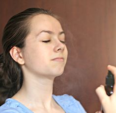 How to make hydrating face mist with essential oils - for all skin types.