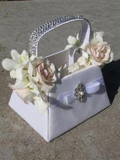 basket for flower girl