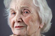A intolerância à velhice e à pessoa idosa é outro dos males contemporâneos que se instalaram no mundo de maneira gradual e sem sabermos quando. De serem uma fonte amorosa de sabedoria, as pessoas mais velhas se tornaram seres com os quais muitos não sabem o que fazer. Após um determinado número de anos, muitos …