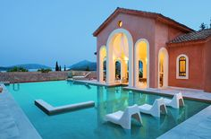 Above the village of Nidri, at the edge of the hill in Perigiali of Lefkada, the beautiful Villa Veneziano seems like it came out of the era of Venetian Ionian. Villa Veneziano is a luxurious 478 m2 villa built in 2006 on land of 2.000 m2 and enjoys panoramic view of the infinite Ionian Sea, Meganissi and Skorpios islands.