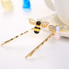Black Yellow & White Pink Vivid Bee Crystal Wings Metallic Hair Clips and Pins Insect Barrettes for Girls Wommen Headwear