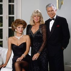 DYNASTY - Cast Gallery - October 25, 1988. (Photo by ABC Photo Archives/ABC via Getty Images)STEPHANIE BEACHAM;LINDA EVANS;JOHN FORSYTHE