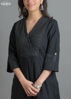 Neckline designs for kurta Overlapped style– You can either Salwar Neck Designs, Churidar Designs, Kurta Neck Design, Neckline Designs, Kurta Designs Women, Dress Neck Designs, Latest Kurti Designs, Indian Kurtis Designs, Kurtis Indian
