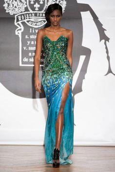 On Aura Tout Vu Spring 2013 Couture.