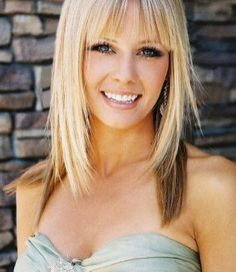 Beautiful Bangs Hairstyle Ideas That Suitable With Your Face Shape 20 Long Face Shapes, Long Faces, Hairstyles With Bangs, Straight Hairstyles, Bangs Hairstyle, Hairstyle Ideas, Medium Hair Styles, Short Hair Styles, Natural Straight Hair