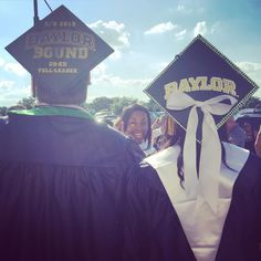 Great Baylor graduation caps! Especially love that bow. (Via @thatkidtobes on Twitter)
