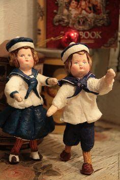 Купить или заказать Ватные винтажные игрушки в интернет-магазине на Ярмарке Мастеров. Ватные игрушки в винтажном стиле. Личико вылеплено из папер-клея, каркасная основа. Неповторимые, милые и как показало время достаточно долговечные. Цена за одну игрушку. По всем вопросам, заказам- спрашивайте. Отправляю сразу в этот или на следующий день, после оплаты. Cotton Crafts, Biscuit, Christmas And New Year, Vintage Dolls, Art Dolls, Vintage Photos, Vintage Dresses, Christmas Ornaments, Spun Cotton