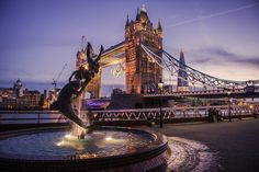 Tower Bridge and the Olympic Rings on the night of the Olympics closing ceremony. World Street, London Photography, Olympic Games, Tower Bridge, Dream Vacations, Great Britain, Olympics, Photo Art, The Good Place