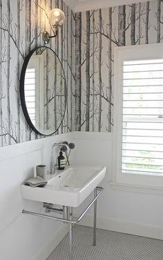 28 ideas for black wood wallpaper powder rooms Birch Tree Wallpaper, Wood Wallpaper, Bathroom Wallpaper, Wallpaper Decor, Wallpaper Wallpapers, Modern White Bathroom, White Bathroom Tiles, Small Bathroom, Funny Bathroom