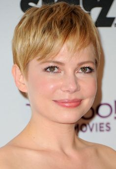 Michelle Williams at the 2011 15th Annual Hollywood Film Awards Gala #ShortHair #MichelleWilliams