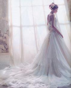 冬のオーロラのようにふんわりと優しいく包み込んでくれるウェディングドレス♡