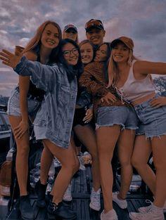 Elite Squad, Wattpad, Couple Photos, Couples, Friends, Girls, Couple Shots, Amigos, Couple Photography