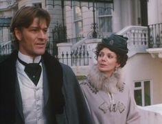 Sean Bean as Lord Fenton with Joanne Whalley as Scarlett O'Hara in Scarlett the miniseries 1994