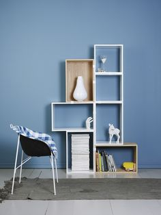 Salón moderno en azul y blanco.  Color Jotun 10431