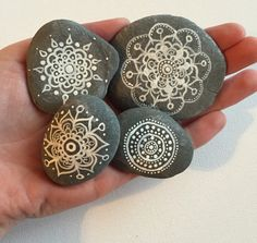 Hand painted stones,wedding favours, personalised painting, hand painted rock, stones, henna painted stones, mandala rocks, mandala stones