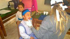 Primeras actividades de la visita de los odontólogos en la Escuela 903 Picada Maderil