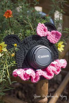 Minnie Mouse Lens Buddy FREE Crochet Pattern