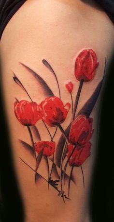 Tatuagem de Flor | Vermelho e Preto na Perna Feminina - Tulipa