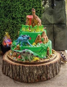Just look at this awesome Dinosaur Birthday cake! See more party ideaas at. Dinosaur Birthday Cakes, Dinosaur Cake, Dinosaur Party, Elmo Party, Mickey Party, Park Birthday, 6th Birthday Parties, Boy Birthday, Birthday Ideas