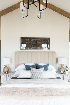 Stunning Bedroom Ideas, Clever yet lovely room styling ideas and examples. Try the topic post , produced with bedroom decorating ideas tag, thought on 20190426 Relaxing Master Bedroom, Modern Master Bedroom, Master Room, Cozy Bedroom, Contemporary Bedroom, Bedroom Decor, Bedroom Ideas, Earthy Bedroom, Natural Bedroom