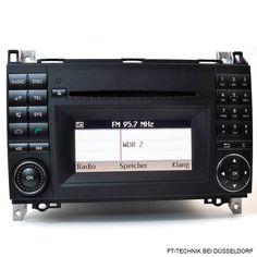 Ein Mercedes CD Radio. Teilenummer: A1699002000 Passend für: Mercedes A Klasse 169 Mercedes B Klasse 245 Bei uns im Shop!