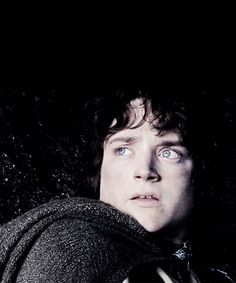 frodo baggins Fellowship Of The Ring, Lord Of The Rings, Rings Film, Old Celebrities, Film Trilogies, Frodo Baggins, Elijah Wood, The Two Towers, Beautiful Blue Eyes