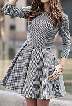 LOVE this gingham flare dress Modest Fashion, Women's Fashion Dresses, Girls Short Dresses, Frock For Women, Stylish Clothes For Women, Androgynous Fashion, Gingham Dress, Petite Dresses, Types Of Fashion Styles