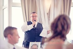 Best man's speech at Sandbanks Hotel Wedding. Photography by one thousand words wedding photographers