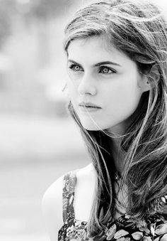 Alexandra daddario UHD Pictures and wallpapers Visit our site for more stuff Hollywood Celebrities, Hollywood Actresses, Beautiful Celebrities, Beautiful Actresses, Alexandra Daddario Images, Celebrity Wallpapers, Celebrity Photos, Photography Women, Camping Photography