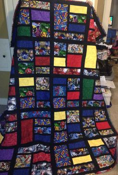Marvel comic book quilt I made Easy Quilt Patterns, Quilting Ideas, Quilting Projects, I Spy Quilt, Book Quilt, Superhero Quilt, Baby Girl Strollers, Disney Quilt, Children's Quilts