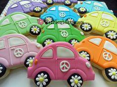 Decorated Cookies - VW Little bugs! Car Cookies, Fancy Cookies, Cut Out Cookies, Royal Icing Cookies, Cupcake Cookies, Hippie Party, Biscuits, Galletas Cookies, Cookie Designs