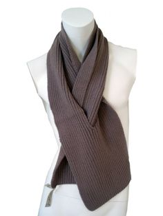 Designer: Jan & Carlos    Item: Scarf    Composition: 100% Merinos Wool    Made in Italy    Description:    Ribbed scarf in supergeelon Exxtrafine with eyelet.           > Need Help?    Price $ 122.00 $61.00    Discount: -50%