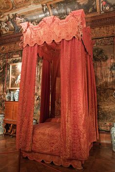 Chatsworth House, George II State Bed. Pure silk damask in crimson and gold for the refurbishment of the George II State Bed, and State Bedroom window drapes. www.humphriesweaving.co.uk