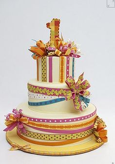 Love the fondant ribbons on this one. Also from Ron Ben Israel Cakes.