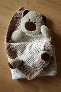 """Diese herzige Babydecke Bärli nur für CHF 75.- kann bei """"hobbywelt"""" bestellt werden. https://ansalia.ch/baby/babydecke-baerli.html #ansalia #baby"""
