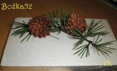 Pine cone on a branch-Pine cone with branch - Master classes in cake decorating Cake Decorating Tutorials (How To's) Tortas Paso a Paso Fondant Flower Tutorial, Fondant Flowers, Clay Flowers, Sugar Flowers, Cake Tutorial, Paper Flowers, Cake Decorating Techniques, Cake Decorating Tutorials, Gateaux Cake