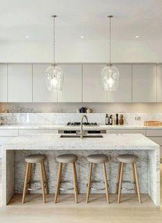 Trendy kitchen layout with door spaces Ideas Home Decor Kitchen, Interior Design Kitchen, New Kitchen, Kitchen Ideas, Country Kitchen, Kitchen Wood, Awesome Kitchen, Kitchen Backsplash, Kitchen Trends